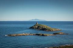 Les Iles Finocchiarola outre de la côte de Cap Corse en Corse photos stock
