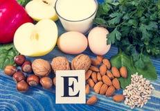 Les ingrédients des plats contenant la vitamine E Un régime sain image stock