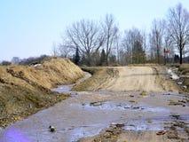 Les inondations ont inondé la route Images libres de droits