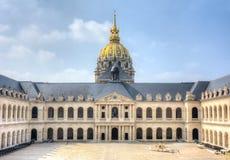 Les Invalides Krajowa siedziba Invalids podwórze, Paryż, Francja zdjęcia stock