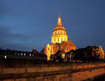 Les Invalides på natten - Paris, Frankrike Arkivbilder