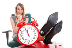 Les jambes de détente de femme d'affaires d'arrêt de travail de femme lèvent l'abondance du Doc. Photographie stock