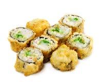 les Japonais cuits à la friteuse par cuisine roulent des sushi photographie stock