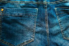 Les jeans desserrent la poche Photo libre de droits