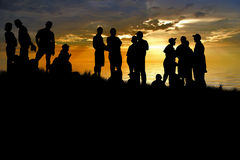 Les jeunes apprécient en stationnement à Photographie stock libre de droits