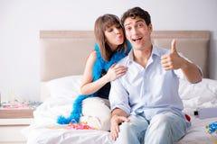 Couples faisant l amour dans le lit stock photos 168 images - Couple faisant l amour dans la cuisine ...