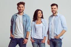 Les jeunes dans des jeans Images stock