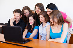 Les jeunes et technologie Image libre de droits