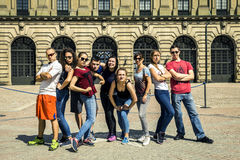 Les jeunes marchant autour de Stockholm, Suède Photographie stock libre de droits