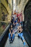 Les jeunes marchant autour de Stockholm, Suède Photo stock