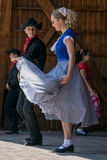 Les jeunesses de la Californie montrent une danse folklorique spécifique 3 Photos stock