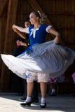 Les jeunesses de la Californie montrent une danse folklorique spécifique 5 Image stock
