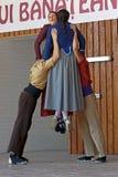 Les jeunesses des Frances montrent une danse folklorique spécifique Image libre de droits