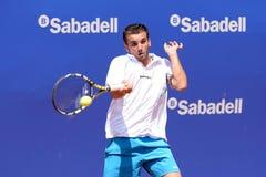 Les jeux d'Oriol Roca Batalla (joueur de tennis espagnol) au triphosphate d'adénosine Barcelone ouvrent le banc Sabadell Conde de Images stock