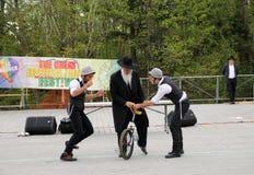 «Les jumeaux clowns et Rabbin de Frances» Images stock