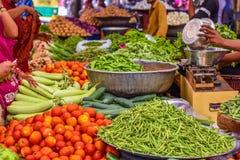 Les légumes lancent sur le marché à Jodhpur, Inde Images stock