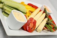 Les légumes plaquent avec de la sauce Photographie stock