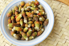 Les légumes rares ont appelé des cabuches, dans un plat Photographie stock libre de droits