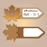 les labels d'insigne d'automne avec des feuilles soustraient l'élément de vente d'affaires Image libre de droits