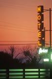 Les lampes au néon du motel Photographie stock libre de droits