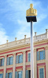 Les lampes rougeoyantes de statue avec le fond de fenêtre sur Massena ajustent dans Nice Cote d'Azur, France Images stock