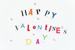 Les lettres de jour heureuses de valentines ont coupé des magazines Image libre de droits