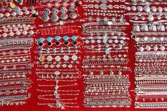 Les lignes argentées mexicaines Mexique de bijou handcrafts images stock