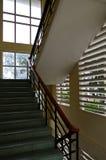 Les longs couloirs, profond, aspects et conception unique de l'architecture part2 photos libres de droits