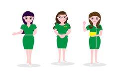 Les longues femmes de cheveux portant la robe verte, le service de réception et le travailleur de directeurs encaissent l'idée ou Photographie stock libre de droits