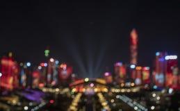 Les lumières brouillées sur le bâtiment photo libre de droits