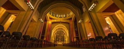 Les lumières dans l'église photo libre de droits