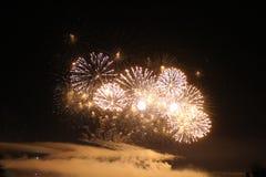 Les lumières des feux d'artifice Images libres de droits