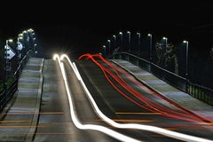 Les lumières des voitures mobiles photo stock