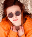 Les lunettes de soleil sont rondes Image libre de droits