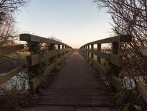 les mains courantes de plancher de pont en bois n'expédient vide aucune personne Photographie stock