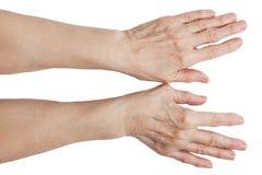 Les mains d'un vieil homme images libres de droits