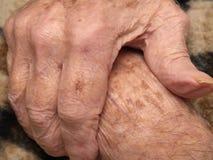 Les mains de l'aîné Photographie stock