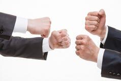 Les mains de l'homme d'affaires démontrant un geste des différends Photographie stock