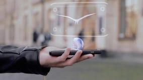 Les mains masculines montrent l'aigle d'hologramme de HUD clips vidéos