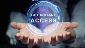 Les mains montrent que l'hologramme rond obtiennent l'accès instantané banque de vidéos