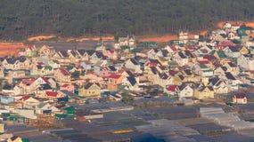 Les maisons vertes dans le village de Thaiphien, agriculture de pointe Photographie stock libre de droits