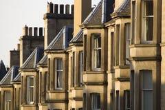 Les maisons victoriennes de colonie ont fait du grès à Edimbourg, Ecosse photos libres de droits