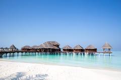 Les Maldives au-dessus des pavillons de l'eau Image stock