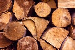 Les matériaux de construction du bois et du bois écorcent comme fond et tex images libres de droits