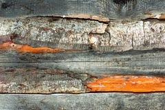Les matériaux de construction du bois et du bois écorcent comme fond et tex photos stock