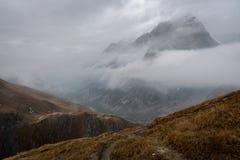 Les matins nuageux froids de beauté image libre de droits
