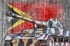 Les militaires échouent avec le drapeau concret du Timor oriental Photos libres de droits