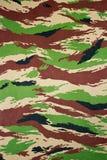 Les militaires camouflent le tissu Image libre de droits