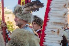 Les militaires de polonais dans des costumes historiques pendant la cérémonie sont le voeu des premières classes du lycée de janv Photos libres de droits