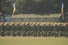 LES MILITAIRES INDONÉSIENS REFORMENT Photos stock